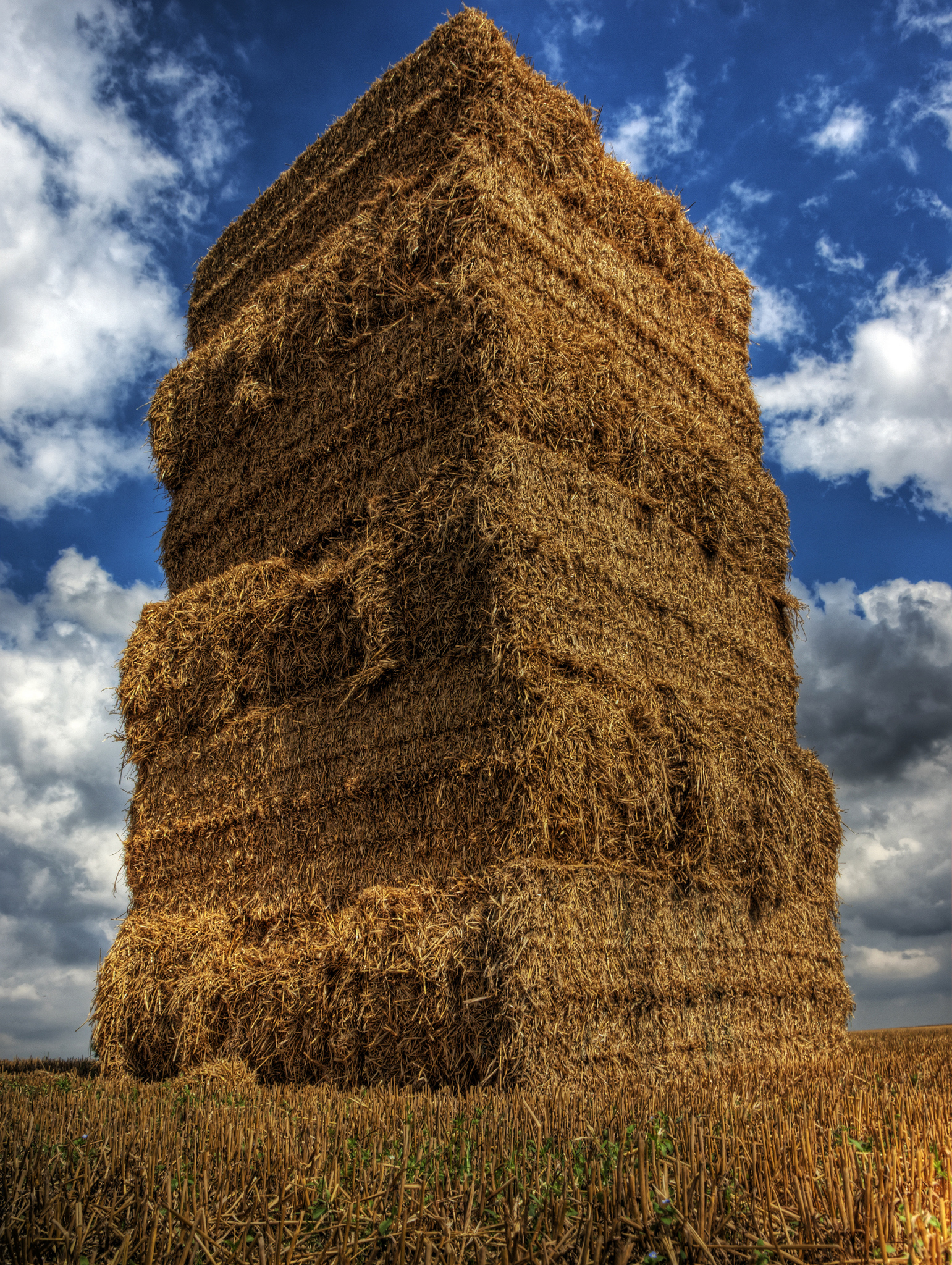 Haystack Looming - © Neil Howard CC-BY-NC